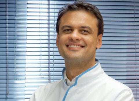 Dr. Tiago Garcia